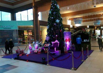 Kerstman opzet in winkelcentrum - december-entertainment.nl