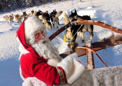 Kerstman met huskies - Kerstman te huur - december-entertainment.nl