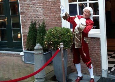 Lakei bij deur - te Huur voor partijen en feesten - december-entertainment.nl
