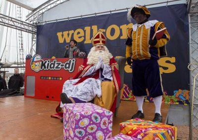 Sint en Piet met DJ - - december-entertainment.nl