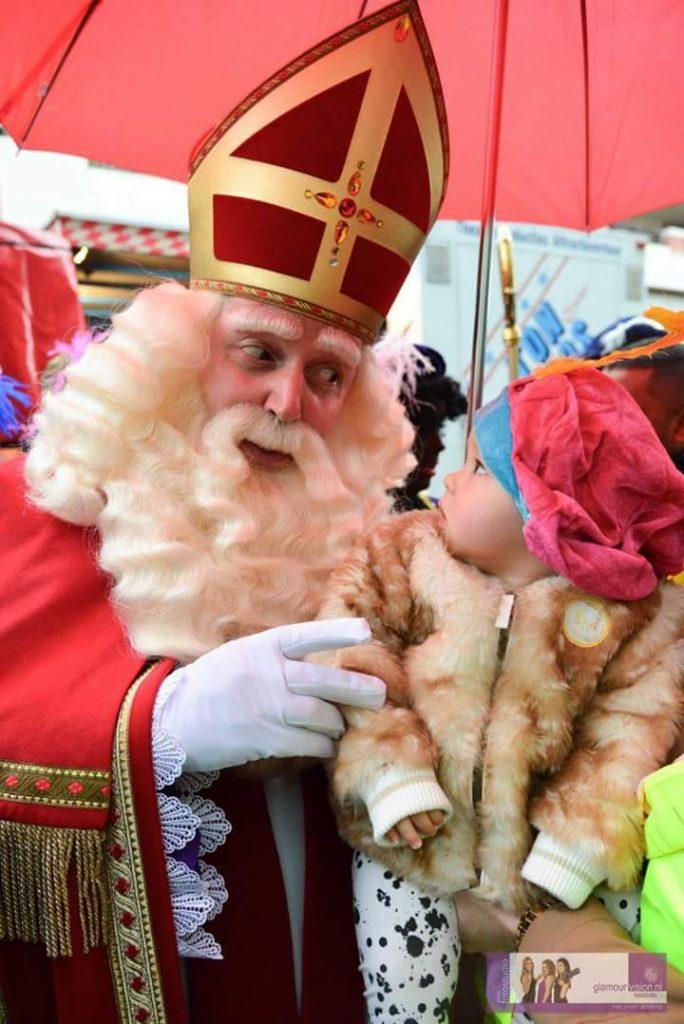 Sinterklaas met kind - december-entertainment.nl