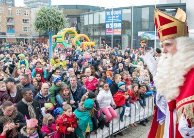 Sinterklaas voor menigte - Te huur - december-entertainment.nl